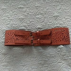 Womens wide belt w/ stretchy back..never worn.